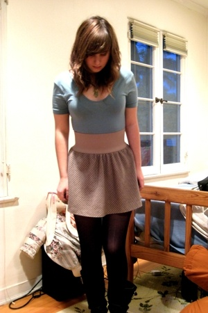 American Apparel - Urban Outfitters skirt - tights - Steve Madden boots