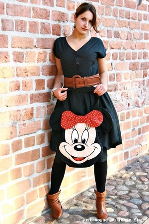 80s C&A Vintage dress - 80s Vintage belt - Roland Ancle boots - 80s Minnie Mouse