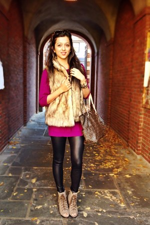 tan faux fur Marshalls vest - brown Steve Madden boots