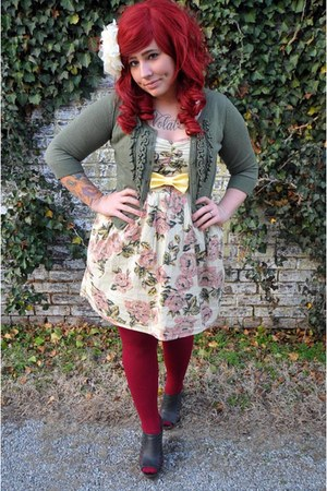 off white floral print Urban Outfitters dress - maroon HUE tights - light yellow