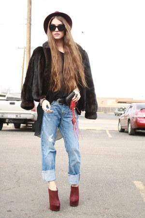 boyfriend jeans True Religion jeans - fedora Forever 21 hat
