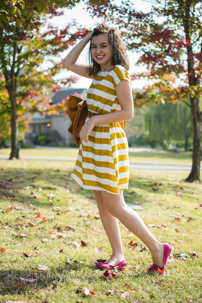 mustard stripes alythea dress - brown bow Ruche bag