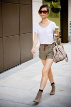 Zara t-shirt - bcbg max azria bag - H&M shorts - American Eagle sunglasses