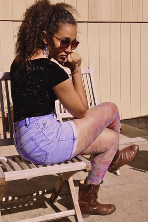 dark brown leather boots - amethyst flowerpower leggings - sky blue shorts