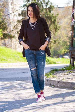 black pull&bear blazer - blue Zara jeans - black H&M t-shirt