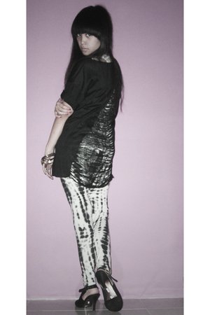 klik-klok shop shirt - unbranded leggings