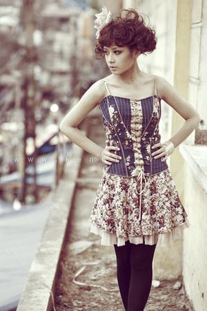 dress - black tights