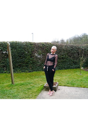 black sheer jumper Daisystreet jumper - black joggers H&M pants