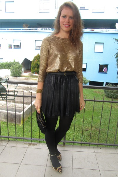 Zara sweater - Calzedonia tights - Pimkie skirt - Amisu bracelet - H&M belt