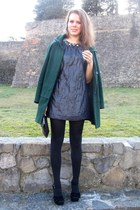Sisley dress - Zara coat - Calzedonia tights - H&M bag - TOUCH earrings