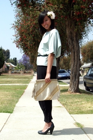 vintage top - vintage belt - H&amp;M pants - seychelles shoes
