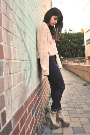 light pink Urban Outfitters sweater - navy jean madewell leggings