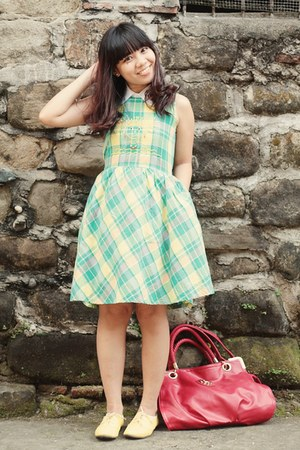 green plaid dress - red Zeca bag