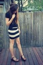 beige bodycon H&M skirt - black t-shirt - brown sandals Mudd wedges