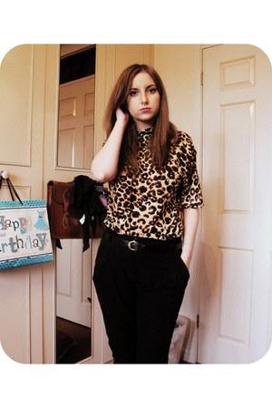 gold vintage shirt - black Boohoocom pants - black Primark belt