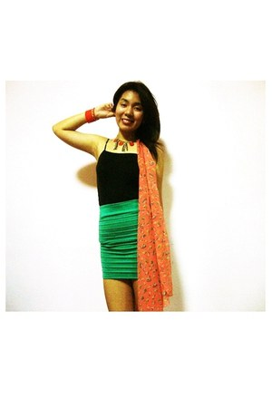 aquamarine Greenhills skirt - carrot orange SM scarf