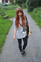black H&M leggings - heather gray vintage shirt - black Bianca bag