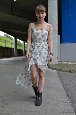 black Funky Fish boots - white h&m divided dress