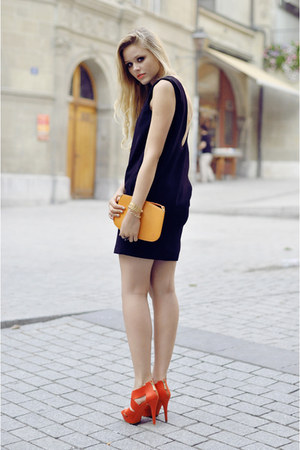 Zara dress - Louis Vuiton bag - Zara heels