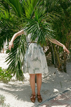 palm dress on an island