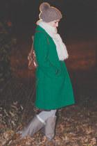 vintage coat - vintage boots - gift hat - vintage bag