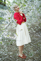 vintage shoes - vintage sweater - vintage skirt