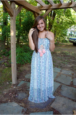 bohemian floral American Eagle dress - Forever 21 necklace