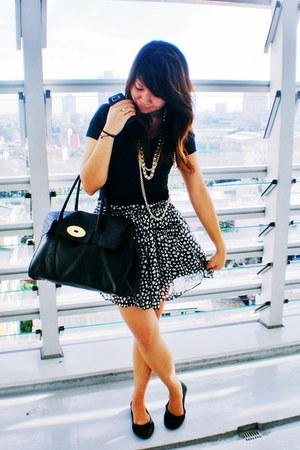bag - black flats - skirt - u-neck H&M t-shirt