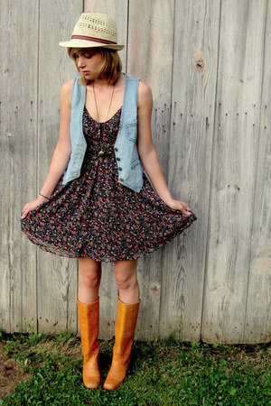 boots - ditsy floral Forever 21 dress - straw fedora Forever 21 hat - locket nec