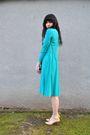 Blue-vintage-dress-beige-vintage-charter-club-shoes