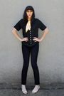 Black-vintage-blouse-bdg-jeans-gold-thrifted-scarf-beige-thrifted-shoes-