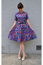 blue vintage dress - beige Bandolino shoes