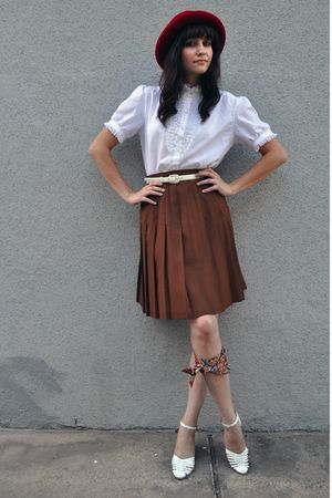 red hat - white vintage blouse - white belt - brown vintage skirt - white vintag