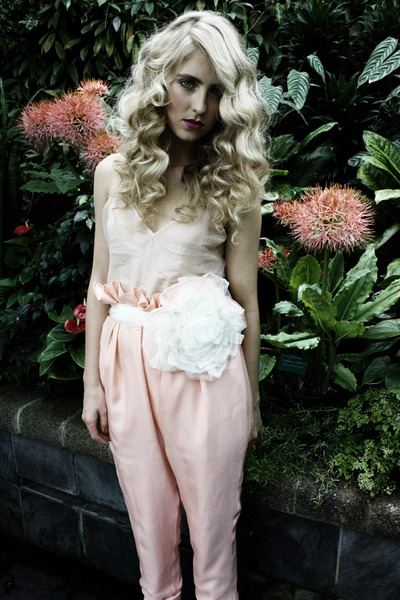 flower corsage Flower Corsage belt - silk trousers Kelsey Genna pants