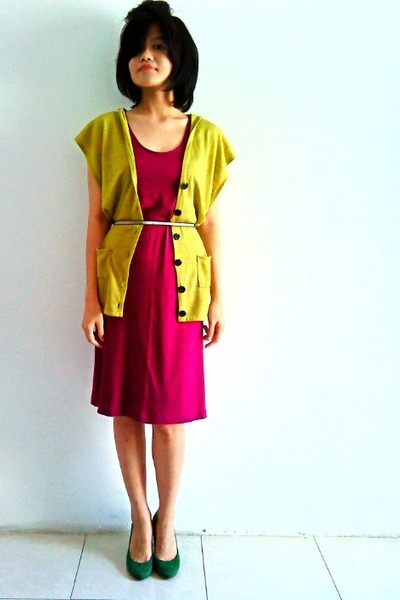 green suede Zara pumps - magenta maxi random dress - olive green thrifted vest