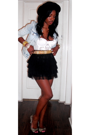 Forever21 jacket - vintage bra - Forever21 belt - Forever21 skirt - DKNY shoes -