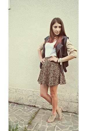 brown leather vest - white basic H&M top - camel leopard print H&M skirt