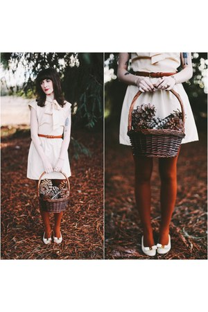vintage shoes - vintage dress