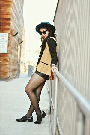 Forever 21 blazer - pleather Forever 21 shorts