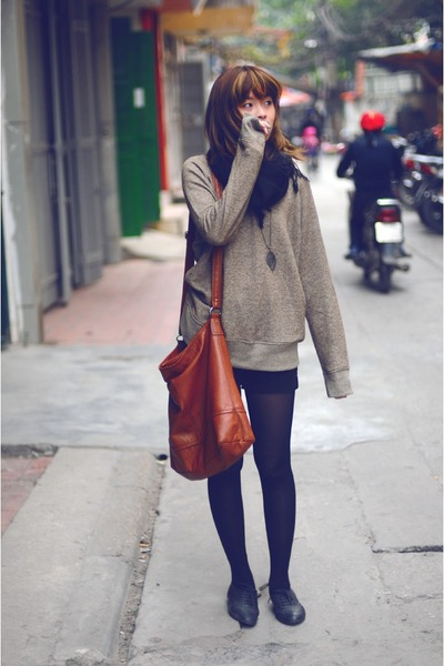 light brown merona sweatshirt - black Pierre Cardin tights - brown H&amp;M bag