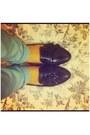 Black-loafers-bronx-flats