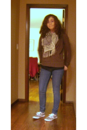 PacSun shirt - Uniqlo jacket - PacSun jeans - Target scarf - Urban Outfitters sh