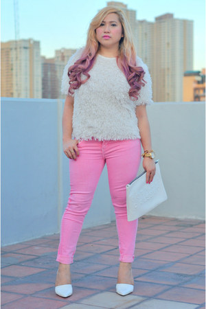 bubble gum denim Zara jeans - white fur Topshop top