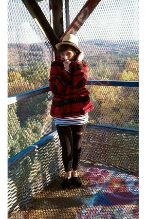 American Eagle coat - H&M hat - Forever 21 leggings - H&M shirt