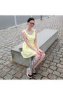 Light-yellow-new-look-dress-heather-gray-guido-maria-kretschmer-purse