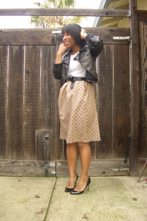 black Target jeans - lace top - beige vintage skirt - black Steven Madden shoes