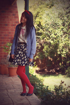blue vintage cardigan - vintage skirt - vintage shirt - Forever 21 necklace - vo