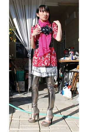 DIY scarf - moms shirt - Secondhand shorts - makemechic pants - 579 belt - Qupid