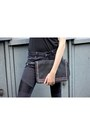 Black-faux-leather-vero-moda-jeans-black-rocker-colloseum-shirt