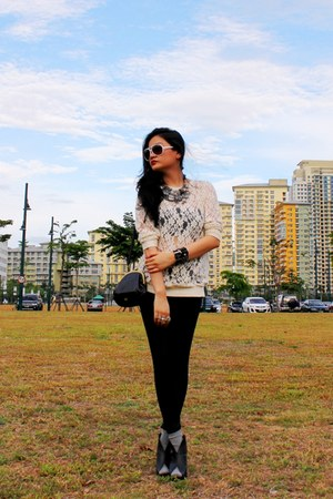black pleather Zara leggings - black small Mango bag - ivory lace Topshop top -